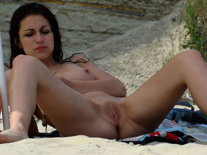beach nudist legs open